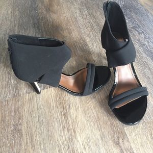 Donald J. Pliner Shoes - Donald J Pliner Black Strap Heels with Zipper 6.5